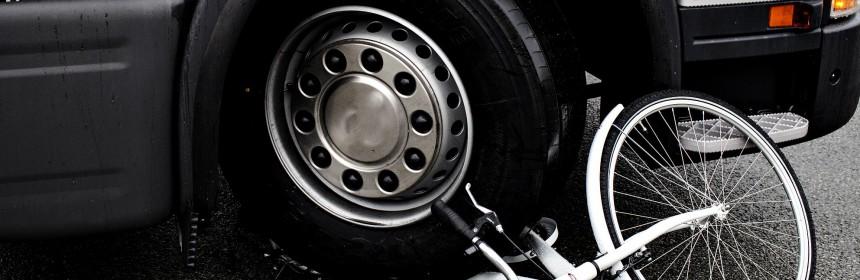 Cykel til oplysningsfolder om højresvingsulykker. For Rådet for Sikker Trafik.